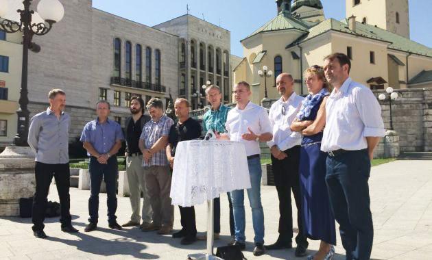 Časť žilinských poslancov čelí škandálu